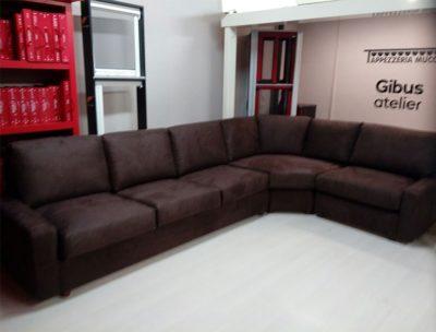 divano marrone pistoia